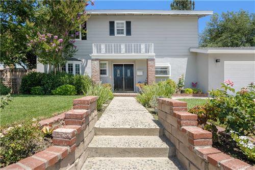 Photo of 17601 Hiawatha Street, Granada Hills, CA 91344 (MLS # SR21160917)