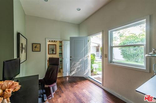 Tiny photo for 5141 Comercio Avenue, Woodland Hills, CA 91364 (MLS # 20618918)