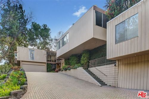 Photo of 1131 Tower Road, Beverly Hills, CA 90210 (MLS # 21785918)