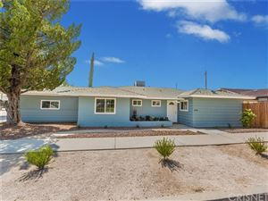 Photo of 19703 Aldbury Street, Canyon Country, CA 91351 (MLS # SR19114918)