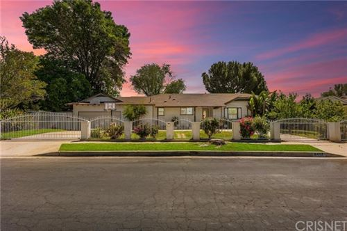 Photo of 9412 Yolanda Avenue, Northridge, CA 91324 (MLS # SR21095918)