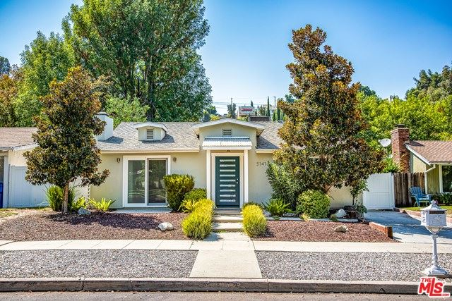 Photo for 5141 Comercio Avenue, Woodland Hills, CA 91364 (MLS # 20618918)