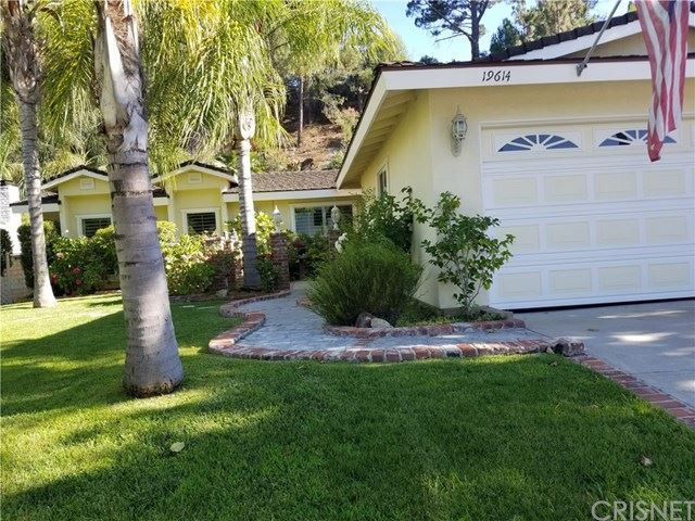 Photo for 19614 Green Mountain Drive, Newhall, CA 91321 (MLS # SR19172918)