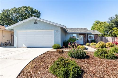 Photo of 3320 Oak Knoll Drive, Paso Robles, CA 93446 (MLS # 220004919)