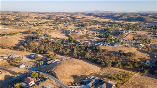 Photo of 5894 Black Tail Place, Paso Robles, CA 93446 (MLS # NS21228919)