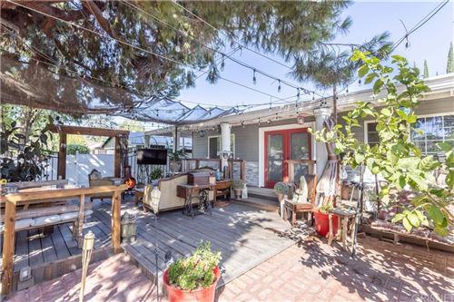 Photo of 15937 Wyandotte Street, Van Nuys, CA 91406 (MLS # SR21220919)