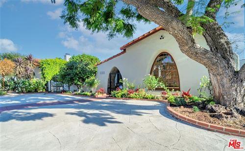 Photo of 10630 Wellworth Avenue, Los Angeles, CA 90024 (MLS # 21782920)