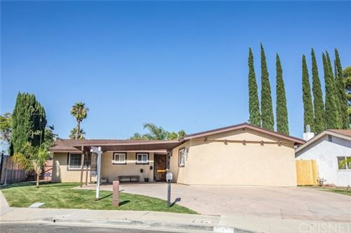 Photo of 26118 Oakflat Court, Newhall, CA 91321 (MLS # SR20133920)