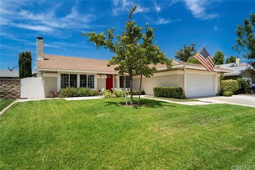Photo of 25829 Rana Drive, Valencia, CA 91355 (MLS # SR21159920)