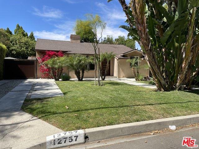 Photo of 12757 Bloomfield Street, Studio City, CA 91604 (MLS # 21745920)