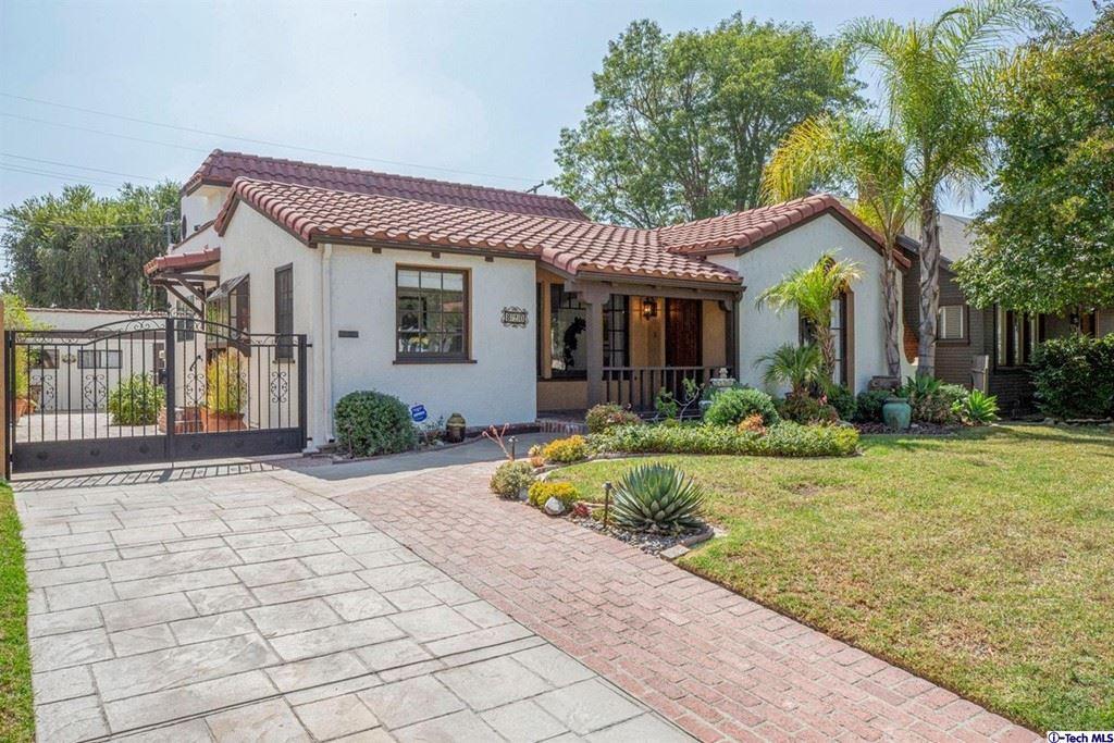Photo of 820 Patterson Avenue, Glendale, CA 91202 (MLS # 320007920)