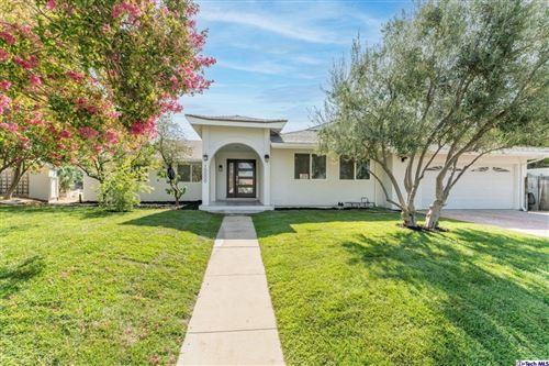 Photo of 10000 Amestoy Avenue, Northridge, CA 91325 (MLS # 320006921)