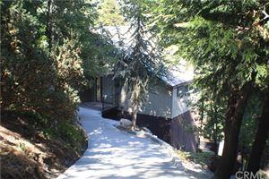 Photo of 709 Fern Road, Lake Arrowhead, CA 92385 (MLS # EV18201921)
