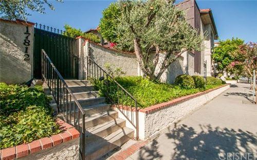 Photo of 17824 Killion Street #G, Encino, CA 91316 (MLS # SR21001922)