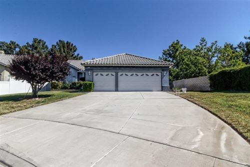 Photo of 13994 Shire Circle, Victorville, CA 92394 (MLS # 524923)