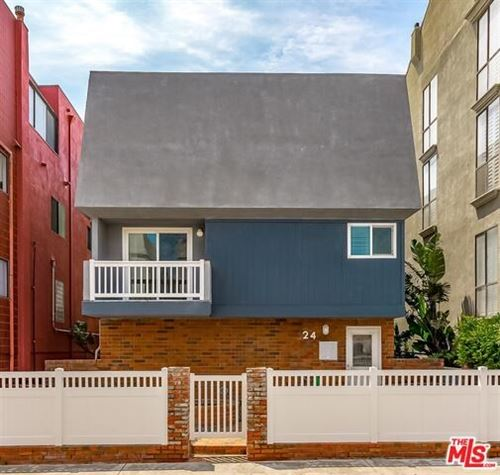 Photo of 24 LIGHTHOUSE Street, Venice, CA 90292 (MLS # 19486926)
