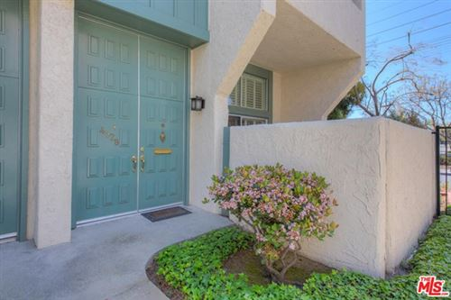 Photo of 4928 Mcconnell Avenue, Los Angeles, CA 90066 (MLS # 21697926)