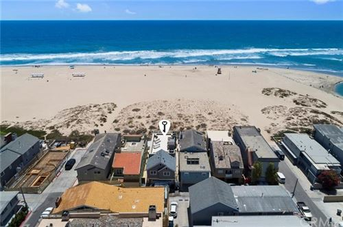 Photo of 7304 W Oceanfront, Newport Beach, CA 92663 (MLS # LG20140926)