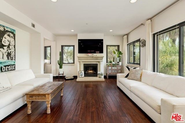 Photo of 155 N Hamilton Drive #301, Beverly Hills, CA 90211 (MLS # 21725926)