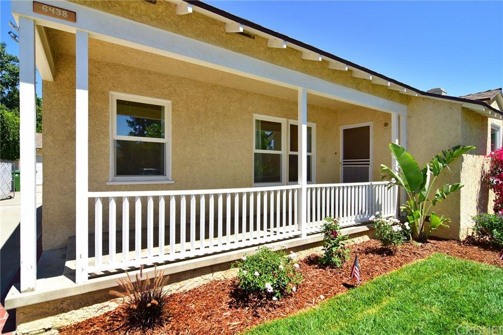 Photo of 6438 Whitman Avenue, Lake Balboa, CA 91406 (MLS # SR21144926)