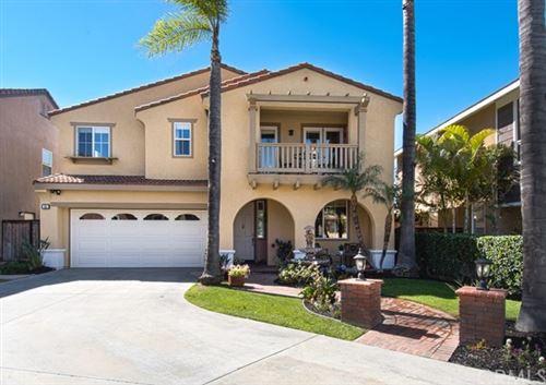 Photo of 51 Grassy Knoll Lane, Rancho Santa Margarita, CA 92688 (MLS # PW20141927)