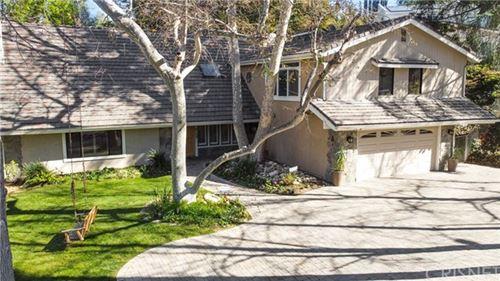 Photo of 4726 Winnetka Avenue, Woodland Hills, CA 91364 (MLS # SR21017927)