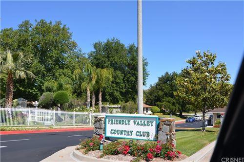 Photo of 26344 Oak Plain Drive #B, Newhall, CA 91321 (MLS # SR21105927)