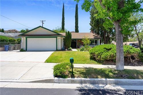 Photo of 23574 Adamsboro Drive, Newhall, CA 91321 (MLS # SR21125927)
