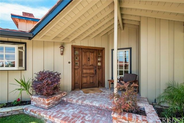 Photo of 16963 Cotter Place, Encino, CA 91436 (MLS # SR20124927)
