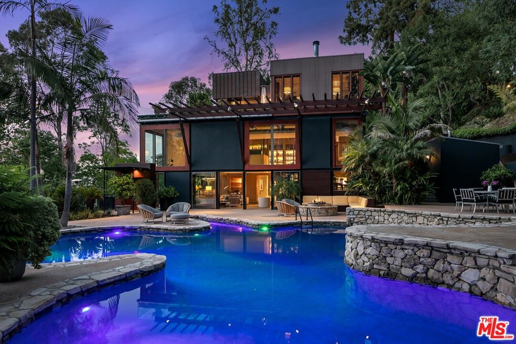 Photo of 12835 Mulholland Drive, Beverly Hills, CA 90210 (MLS # 21750928)