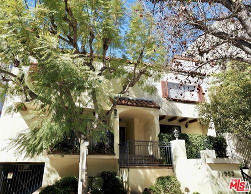 Photo of 11953 Goshen Avenue #2, Los Angeles, CA 90049 (MLS # 21697930)