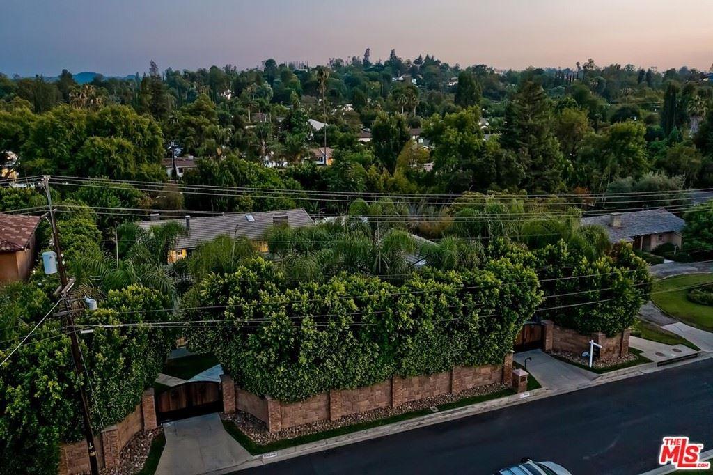 Photo of 19400 Santa Rita Street, Tarzana, CA 91356 (MLS # 21706930)