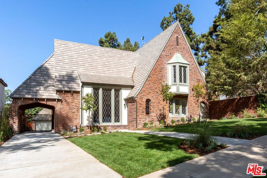 Photo of 1257 N Cedar Street, Glendale, CA 91207 (MLS # 21784930)