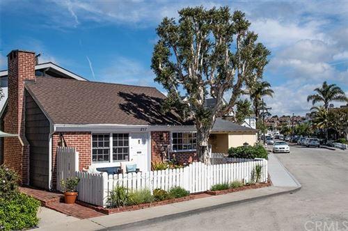 Photo of 217 Topaz Avenue, Newport Beach, CA 92662 (MLS # NP19252931)