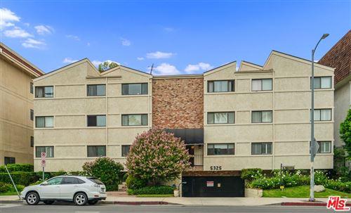 Photo of 5325 Lindley Avenue #304, Tarzana, CA 91356 (MLS # 21780932)