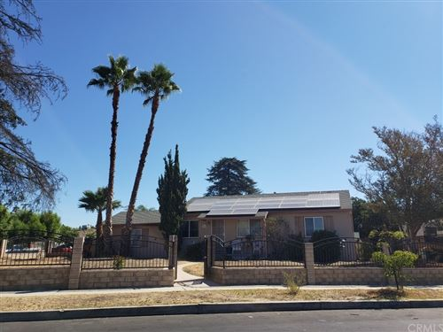 Photo of 8914 Wakefield Avenue, Panorama City, CA 91402 (MLS # TR21193933)