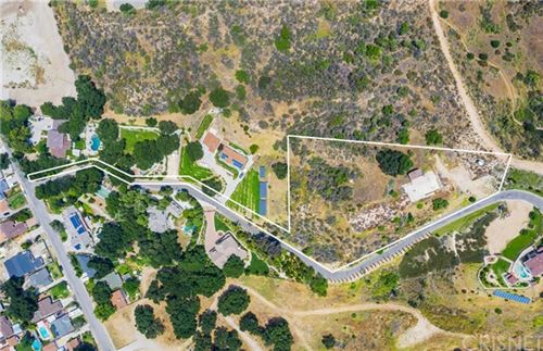 Photo of 24118 Wildwood Canyon Road, Newhall, CA 91321 (MLS # SR20202934)