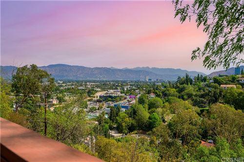 Photo of 11543 Laurelcrest Drive, Studio City, CA 91604 (MLS # SR21221934)