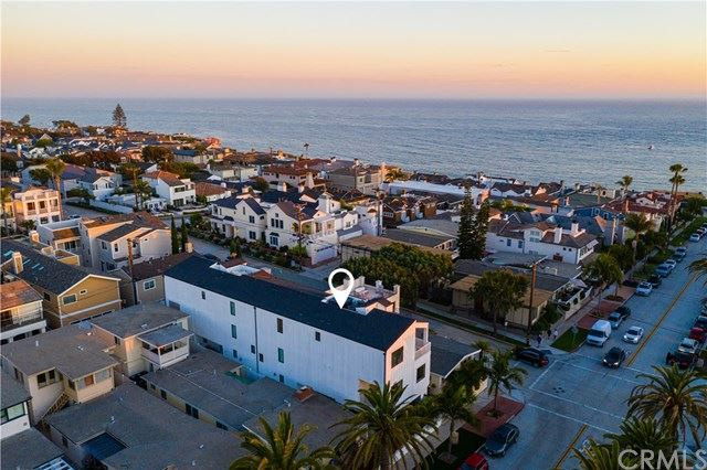 Photo of 302 Marguerite Avenue, Corona del Mar, CA 92625 (MLS # NP20158935)