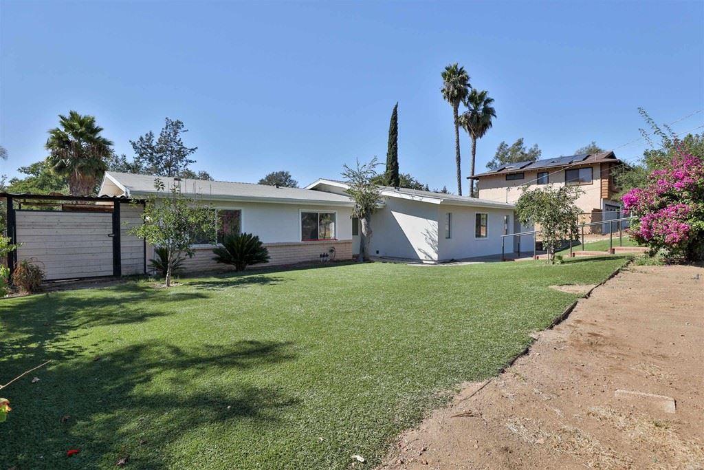 2471 Hummingbird Hill Lane, Fallbrook, CA 92028 - MLS#: PTP2106935