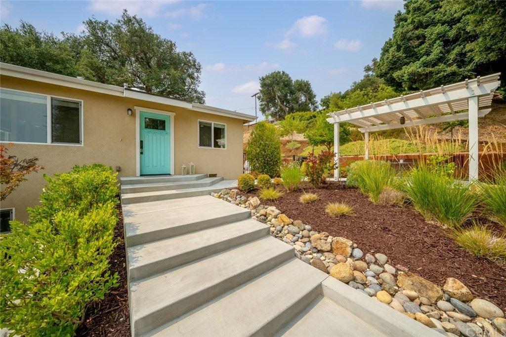 Photo of 729 Gough Avenue, Templeton, CA 93465 (MLS # NS21174936)