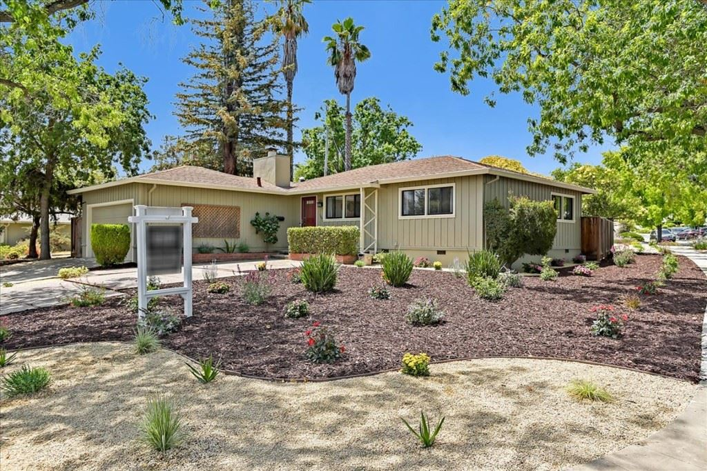 1002 Alameda De Las Pulgas, Redwood City, CA 94061 - #: ML81855937