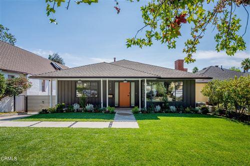 Photo of 974 E Poppyfields Drive, Altadena, CA 91001 (MLS # P1-6939)