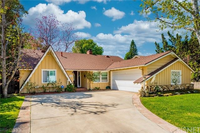 Photo of 13506 Crewe Street, Valley Glen, CA 91405 (MLS # SR21053939)