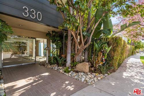 Photo of 330 S Barrington Avenue #302, Los Angeles, CA 90049 (MLS # 21708940)