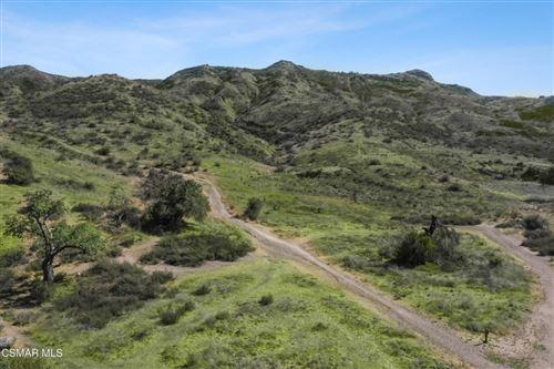 Photo of 5946 Oak Knolls Road, Simi Valley, CA 93063 (MLS # 221001941)