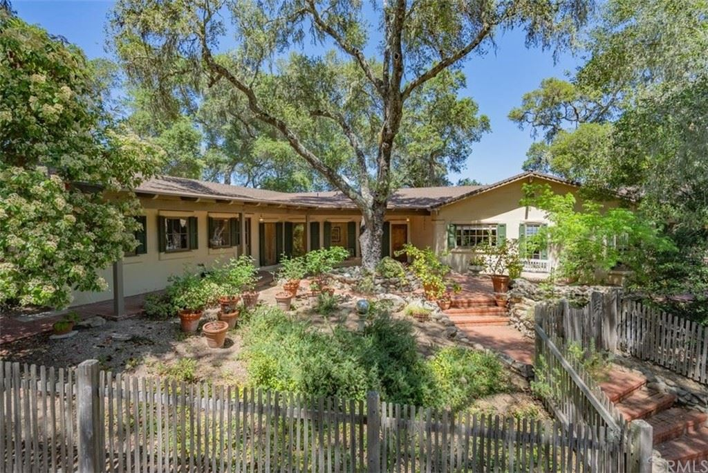 Photo of 1555 Indian Camp Road, Templeton, CA 93465 (MLS # NS21108941)