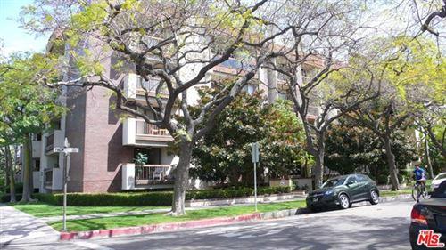 Photo of 324 N Palm Drive #302, Beverly Hills, CA 90210 (MLS # 21718942)
