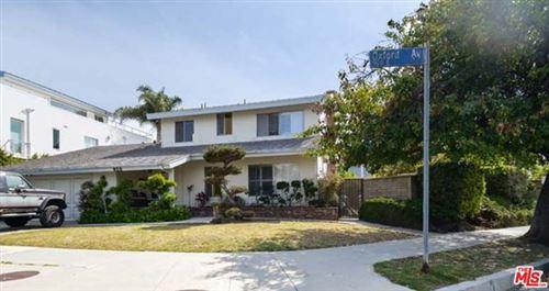Photo of 930 Oxford Avenue, Marina del Rey, CA 90292 (MLS # 21726942)