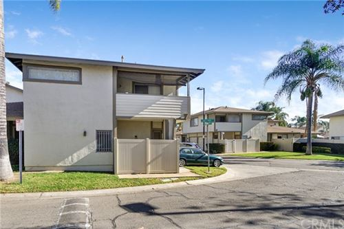 Photo of 964 Pinyon Court #4, Ontario, CA 91762 (MLS # DW21006942)